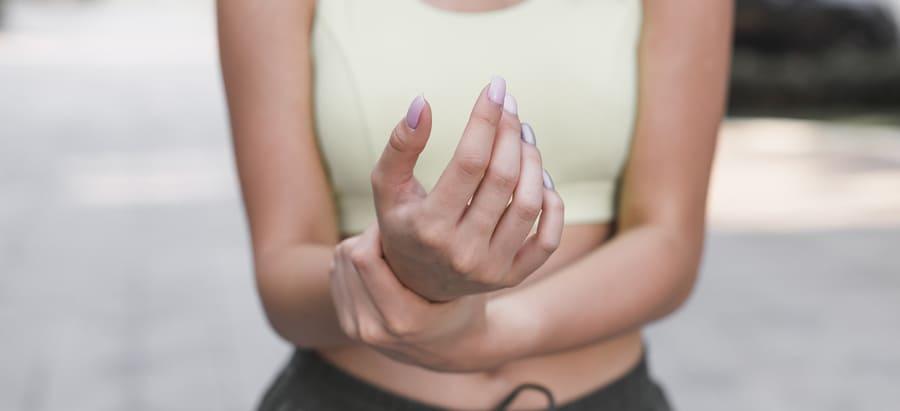 Jaký lék pomůže na bolest kloubů? Prášky, vitamíny nebo mast na klouby? Žebříček nejlepších produktů.